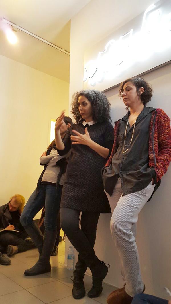 שיח גלריה עם האמנית מיה אטון. צילום: ענת שפט
