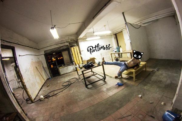 ככה נראה הסטודיו כשרק נכנסו. צילום: פריטימס קולקטיב