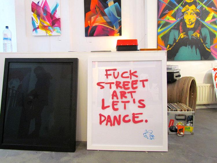 בחנות של אמן הגרפיטי Pure Evil בשורדיץ'. צילום: טלי קליפשטיין