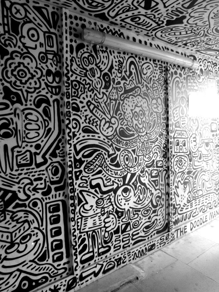 The Doodle Man.מבט מבפנים. צילום: טלי קליפשטיין