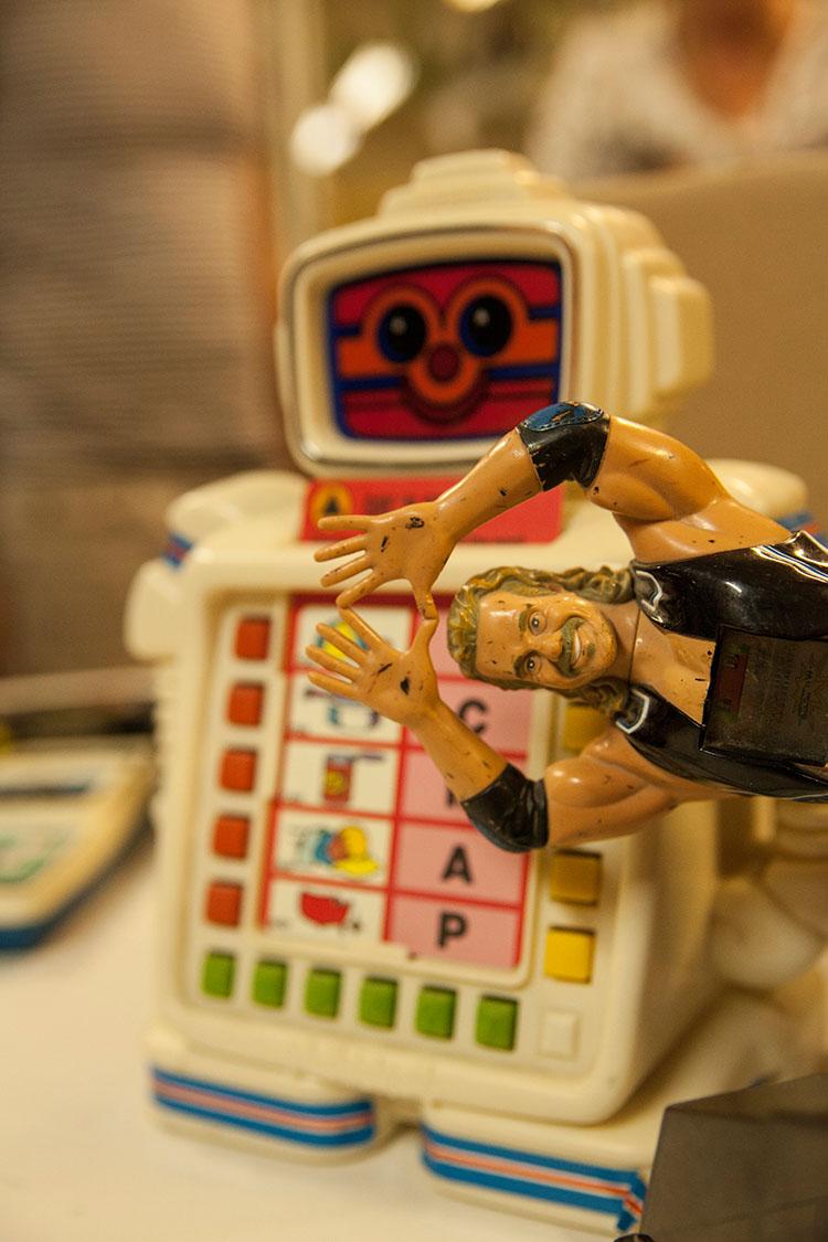 צעצועי ילדים משנות ה-80 של המאה הקודמת. צילום: שגיא שכטר