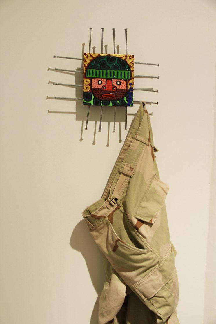 """העבודה של תמיר שפר, עם מכנסי """"מרינס אוריגינל"""""""