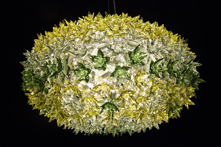 ,Bloom | Ferruccio Laviani 2011 מראה קיפודי ומורכב