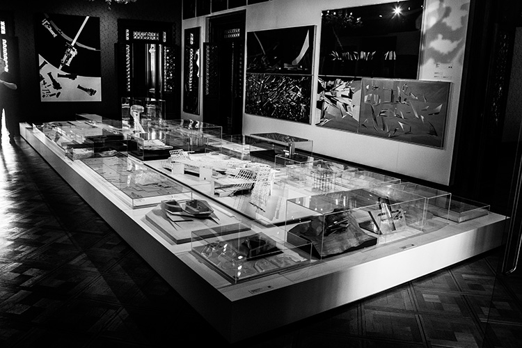 תערוכה של זהה חדיד, ונציה, מאי 2016. צילום: יונתן לזובסקי