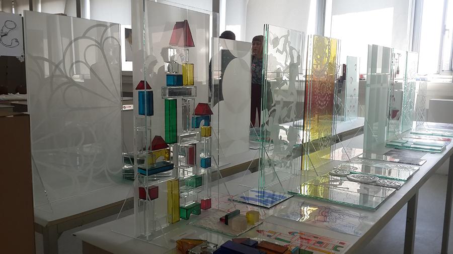 הגשה בM0ME- הגשה סופית , עיצוב בזכוכית