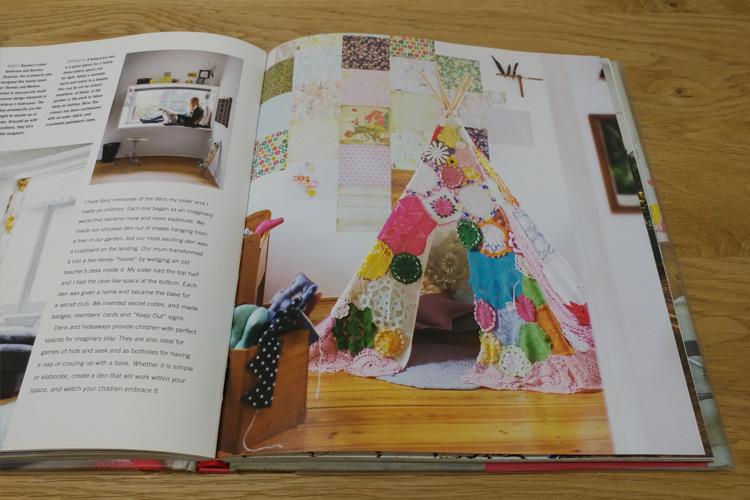 אוהל צבעוני או פתח לעולם אחר? מתוך:  Creative Children's Spaces