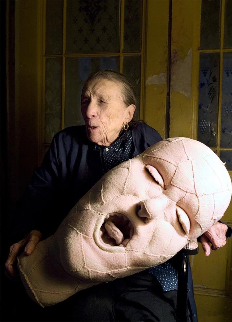 דיוקן עצמי, לואיז בורז'ואה, 2009, תיק עיתונות