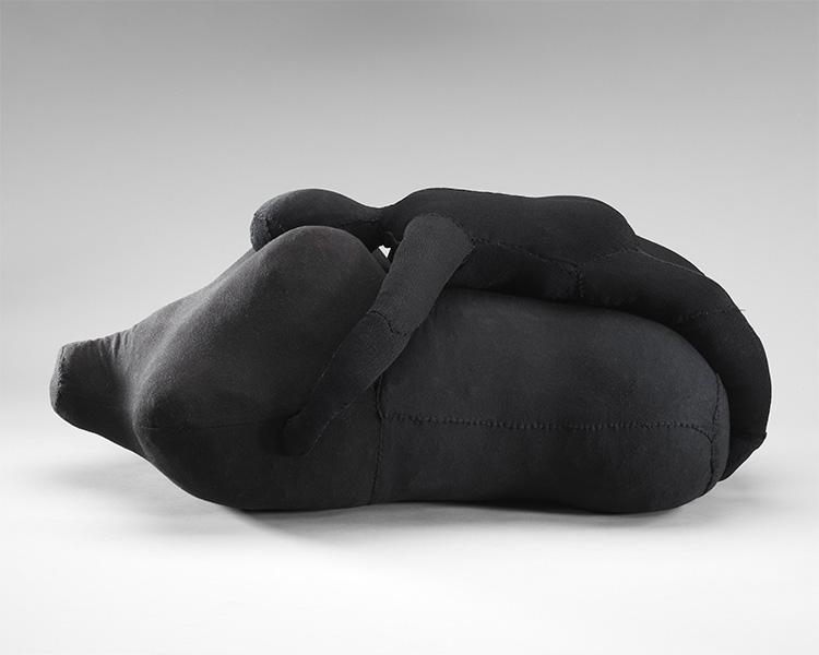 האסופי,לואיז בורז'ואה, 2001, תיק עיתונות