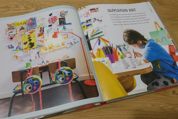 הכנסת חיים ואופי לחלל באמצעות הצגת איורי הילדים. מתוך: Creative Children's Spaces