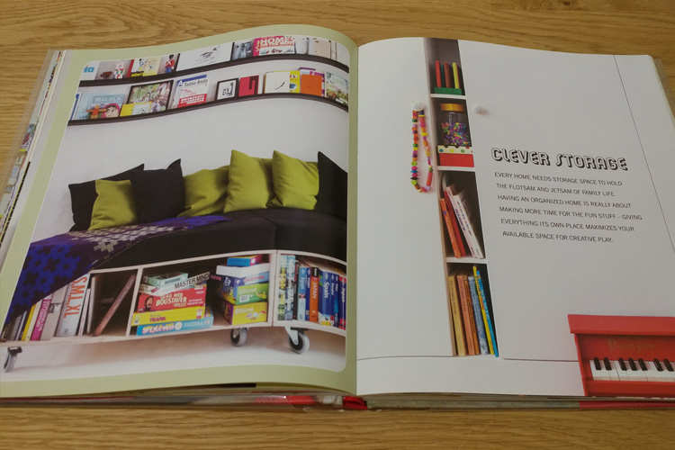 יצירת מרחב גדול ומסודר באמצעות אחסון חכם. מתוך:Creative Children's Spaces