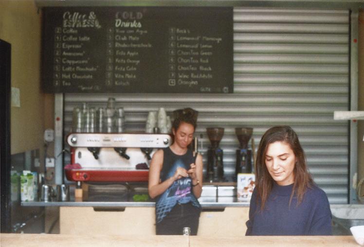 בית הקפה של בית הספר, Gute Stube
