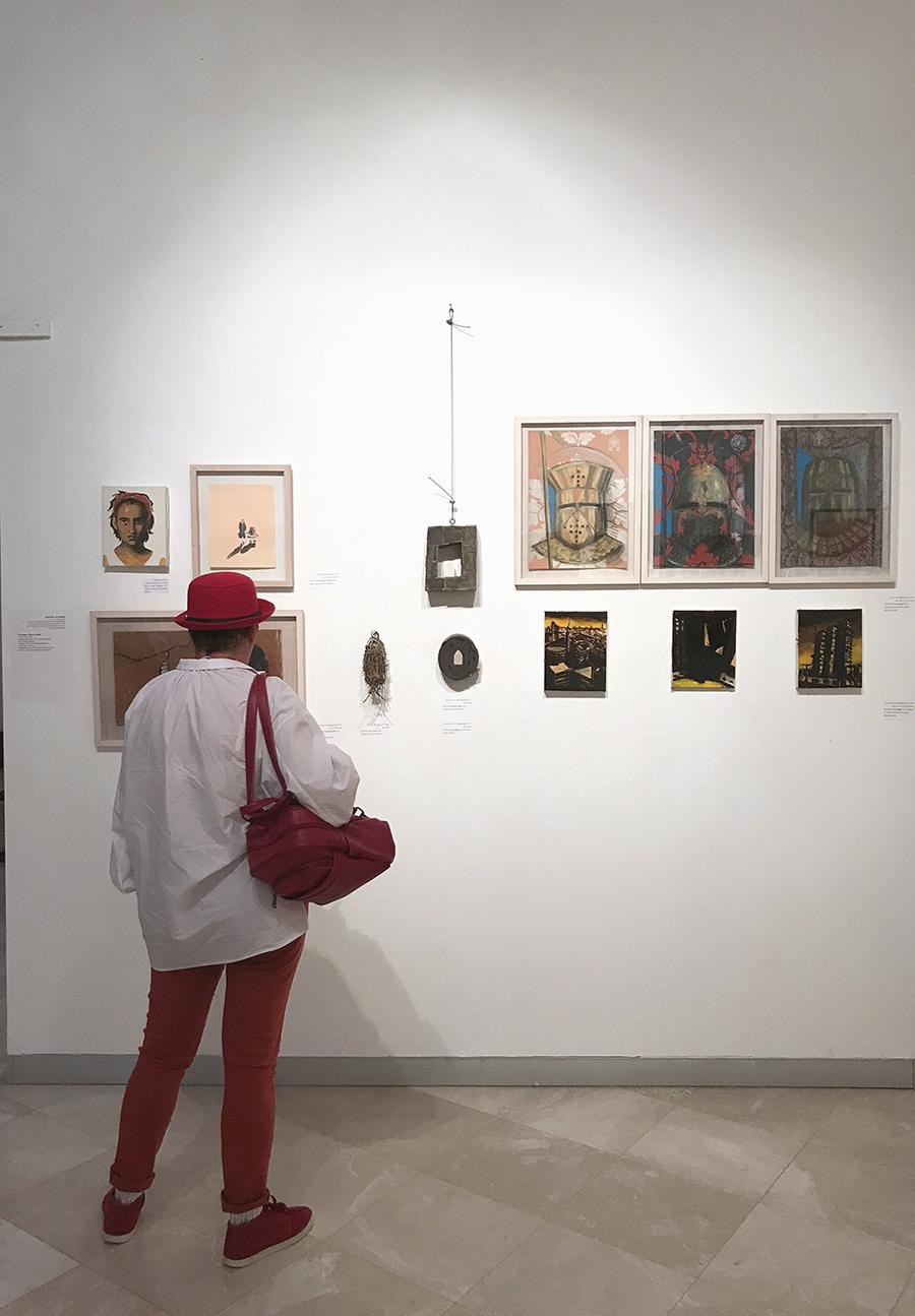 קיר משפחת דה לנגה רמון במהלך ערב פתיחת התערוכה. צילום: נטלי אנדריאשביץ׳