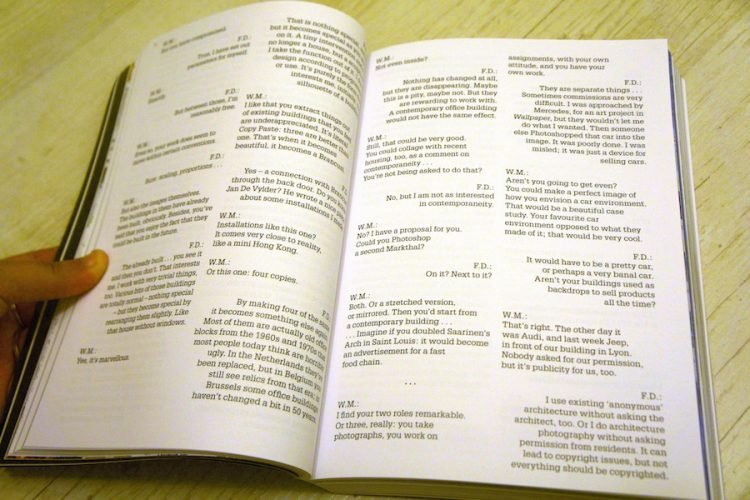 ביחס לספר שמדבר על העתקה עיצובו מקורי למדי