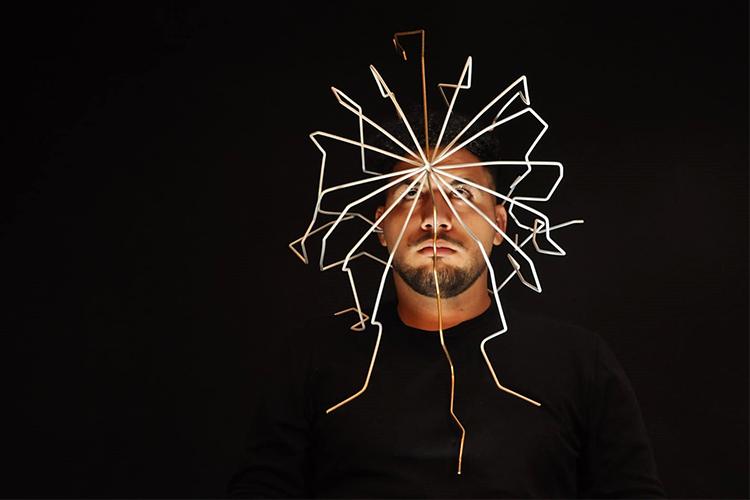 מעטפת הראש של רם זמאני, בהנחיית גל גאון ורותם אוטבייב גיא. צילום: רם זמאני