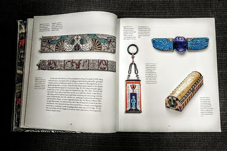 תכשיטים וחפצי נוי בסגנון שנות ה-20. השראה מצרית