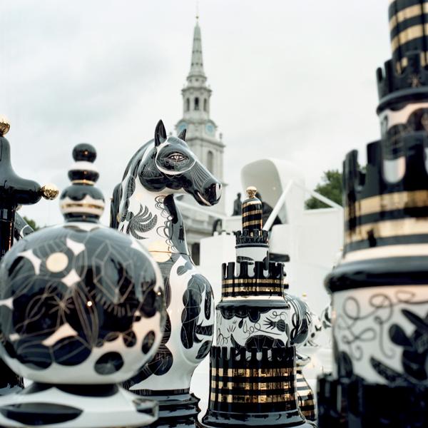 כלי השחמט שעיצב חיון. צילום: סטודיו חיימה חיון