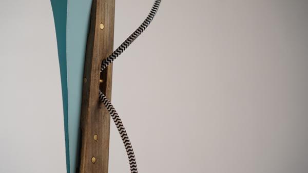 מנורה בעיצוב בר אלברט, פרט חיבור