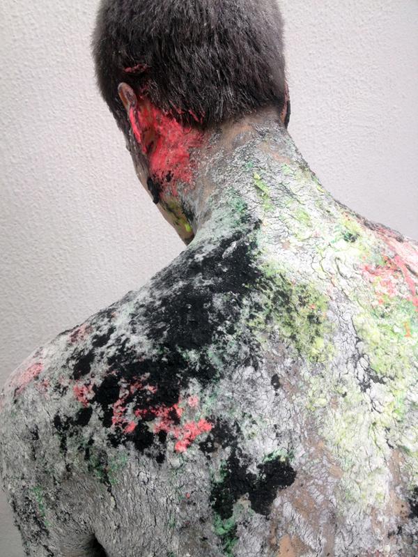 מתוך מופע המחול 'BODIES' של שרון וזנה בשיתוף האמן תומר ספיר. צילום: תומר ספיר