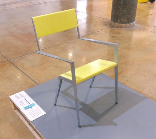 כסא Chaisecourte של מולי בזק. צילום: שני הרצברג
