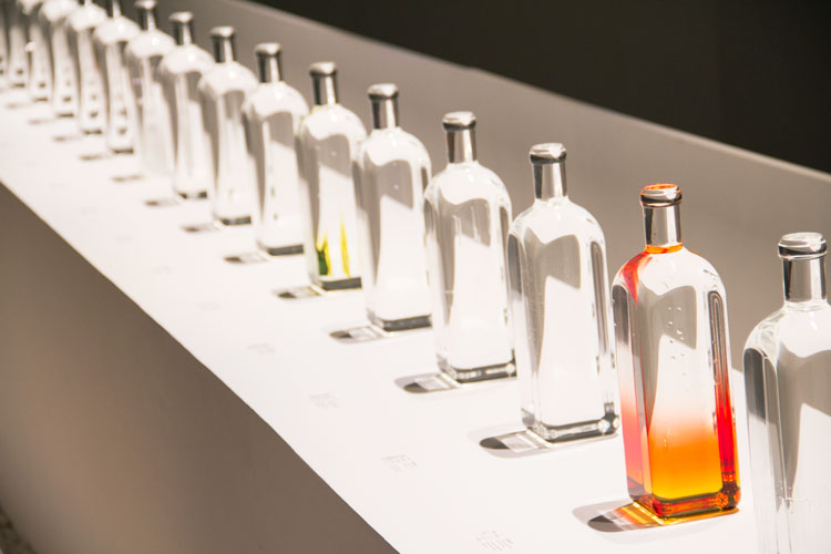 בקבוקי גשם, המרווח שבין לבין. צילום: בר סהר