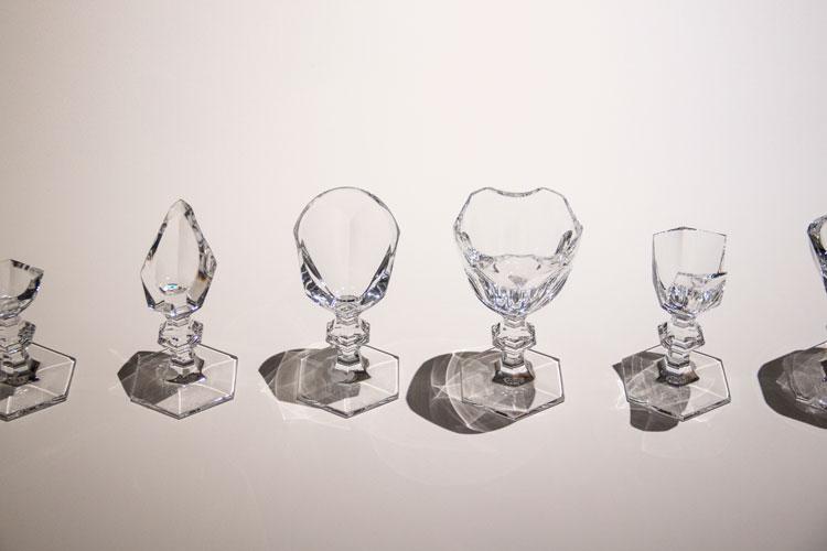 כלי שח מט מכוסות זכוכית, בין שתייה למשחקהמרווח שבין לבין. צילום:  בר סהר