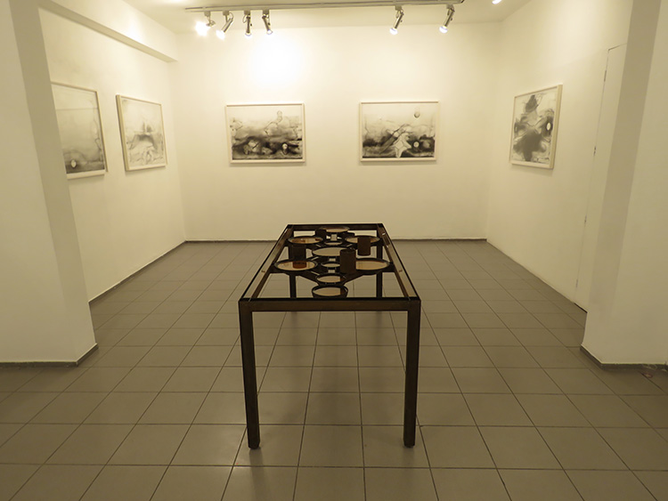 מיכה אולמן, כלים שלובים בגלריה גבעון, צילום: ידידיה איש שלום