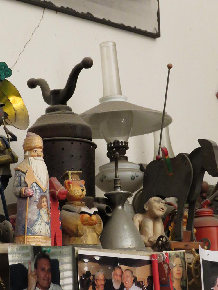 החפצים המוכרים מציוריו של ברגנר