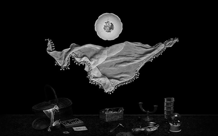 ״א בינתי״ - עבודתה של אתי יפה. הצילום הוא הקפאה של תצורת זיכרון אחת מתוך האינסוף הגלום במעבר הדורות . צילום: אתי יפה