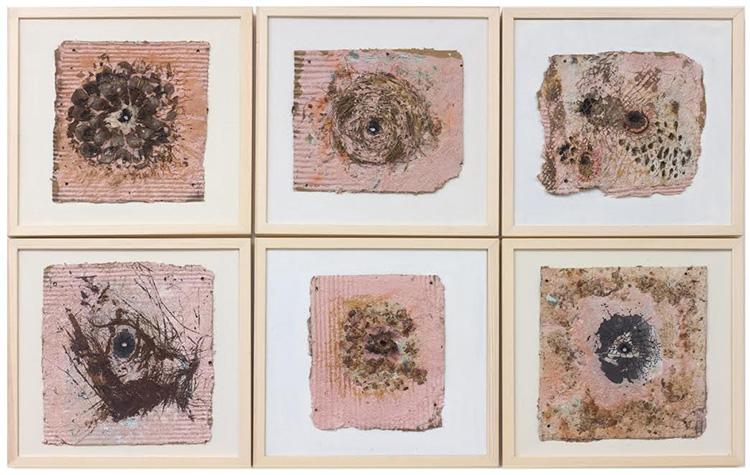 עבודתה של חנה אופק. העבודה בנייר בשילוב חומרים מן הטבע