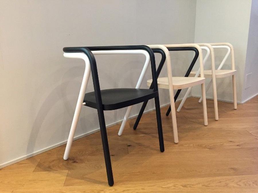 `Composition Chair` של גיל קוצ'יק ורן אמיתי מסטודיו בייקרי - מתוך קולקציית 2017 של סטודיו Cappellini