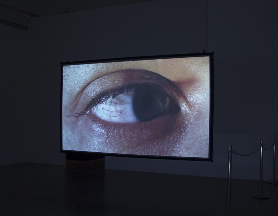 המיצב האינטראקטיבי ״מתח פנים״ של האמן רפאל לוזאנו המר. צילום: מאיה נקר