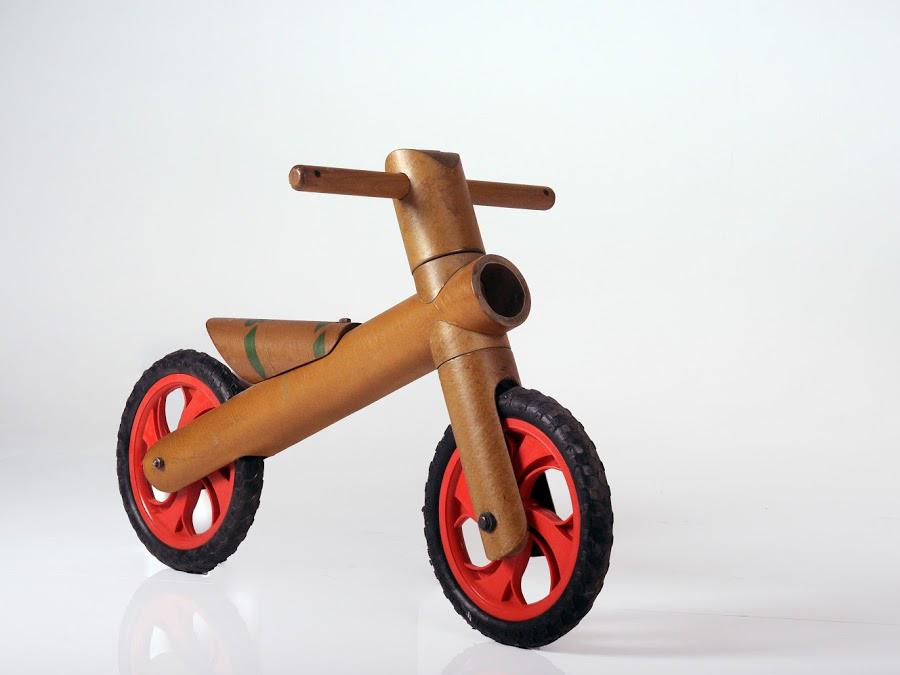 אופניים ממוחזרות לפרויקט מיחזור.