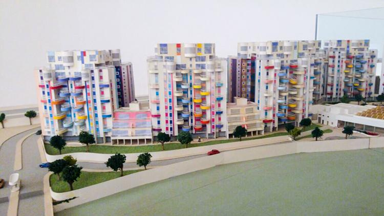 מודל אדריכלי של מגדלי נאמן שבצפון ת