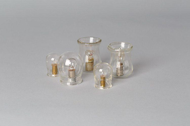 כוסות רוח למת, ונרות לנשמת החי, צילום: אורית ארנון