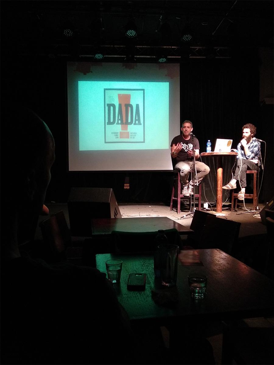 מתוך ההרצאה בזאפה: צחי דינר וקותימאן. במצגת: דאדא כהשקפה חדשנית שעשתה שימוש בשילובים של דברים קיימים. צילום: דימה קוגן.