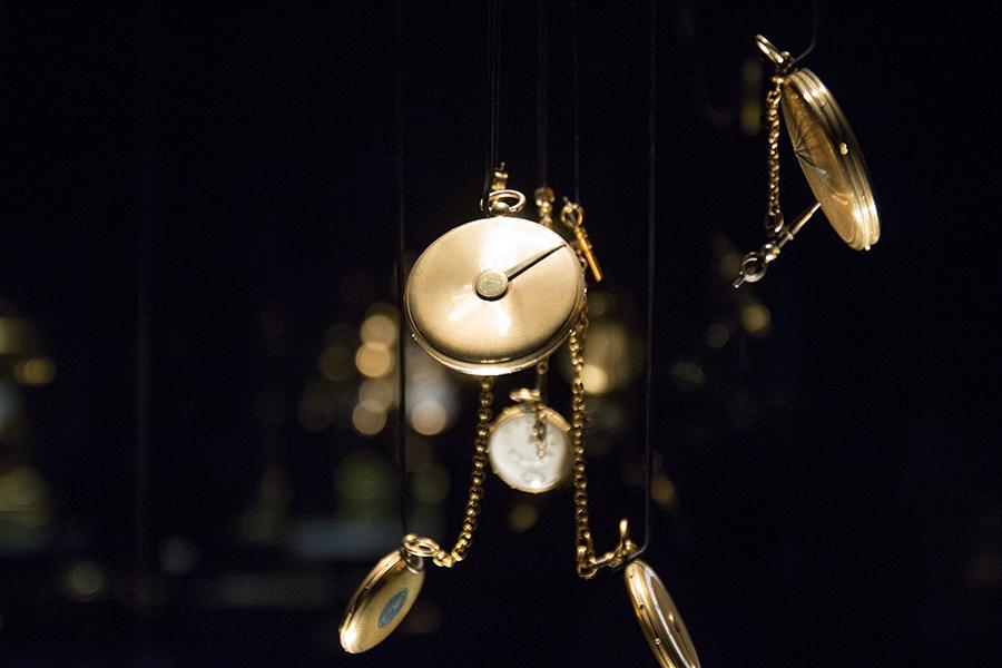 שעון מגע לעיוור- ברגה