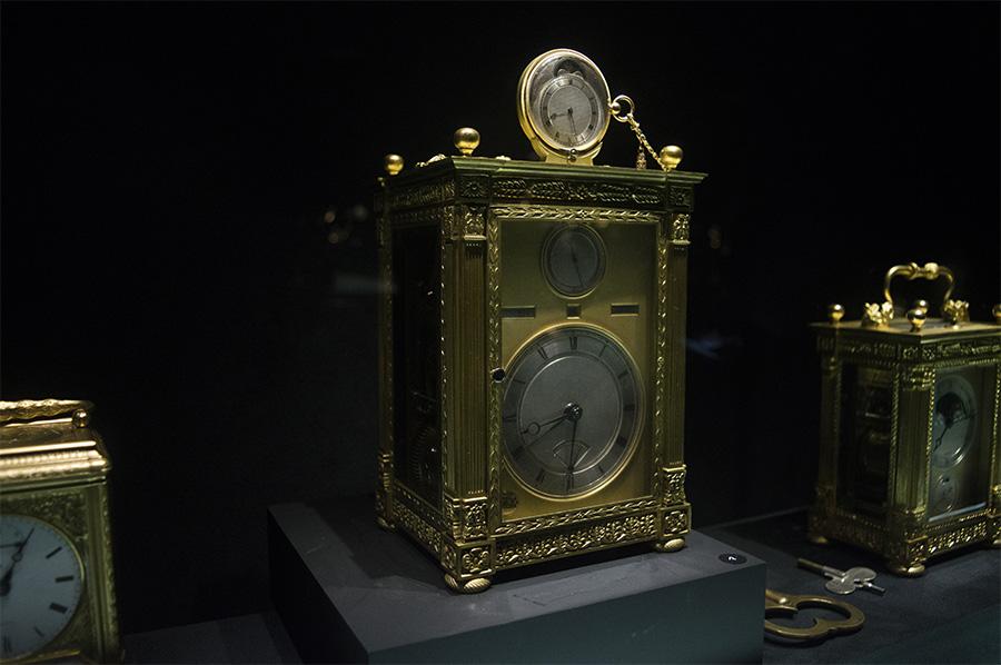 שעון סימפתיק- ברגה- שעון כרכרה בעל מגנון הטענה לשעון כיס ייחודי
