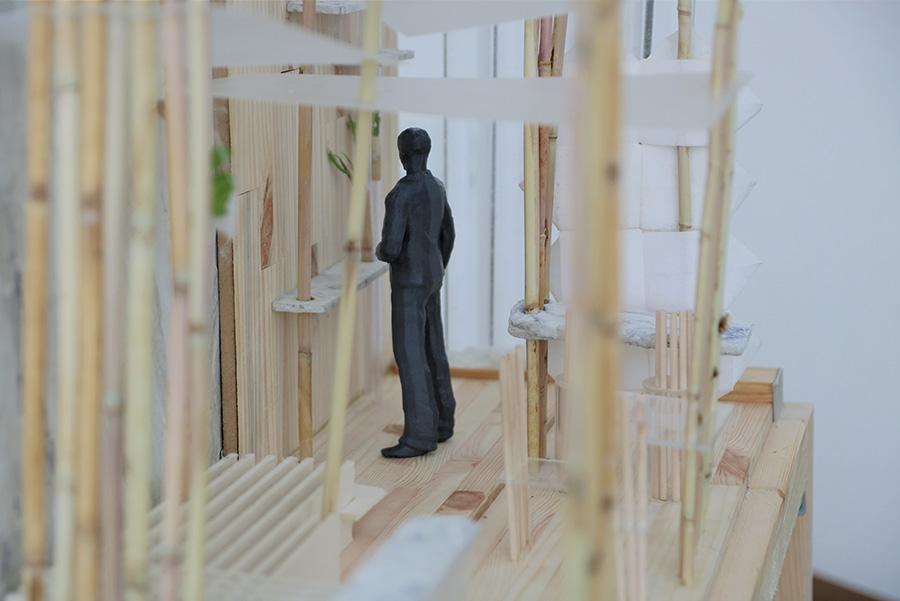 תמונה: פרופורציות של דמות אדם במודל להגשה של עדי מתן ( צילום: עדי מתן)
