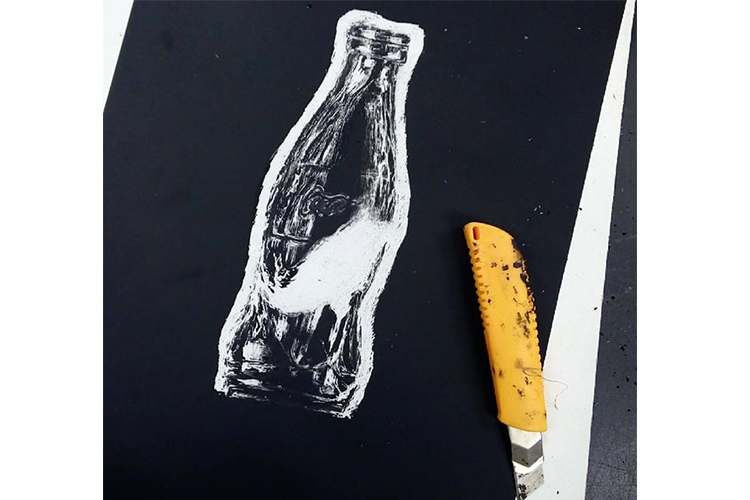 בקבוק בגילופים