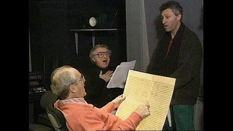 חנן קמינסקי, מישל לגרנד ושלדון הרניק. מישל ושלדון כתבו והלחינו את המוזיקה לסרט ״חכמי חלם״.